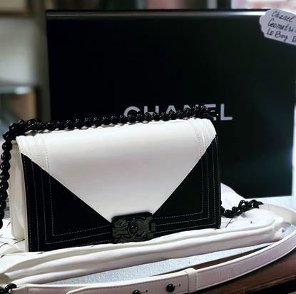 图片 Chanel Black and White Geometric Boy Bag