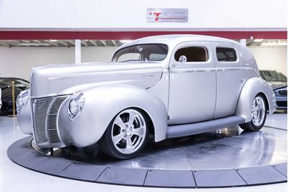Picture of 1940 Ford Sedan Deluxe Restomod